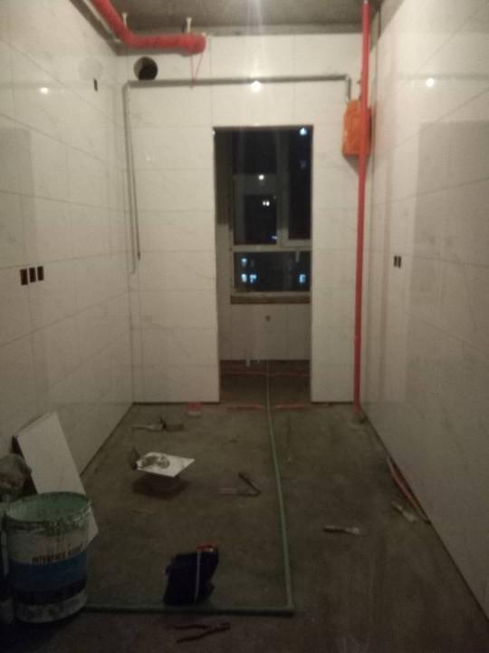 爱空间厨卫墙砖完工_2724869