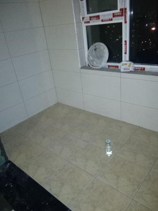 爱空间厨卫墙砖完工_2731679