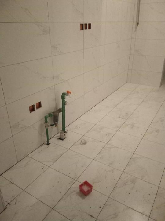 爱空间厨卫墙砖完工_2731680