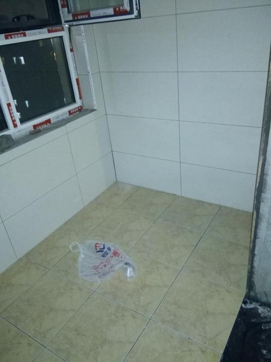 爱空间厨卫墙砖完工_2731681