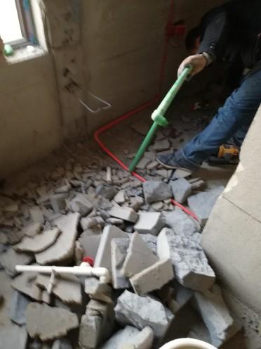 爱空间厨卫墙砖完工_1573518
