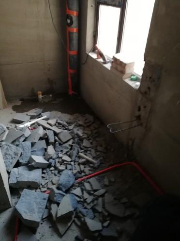 爱空间厨卫墙砖完工_1573519
