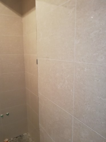 爱空间厨卫墙砖完工_1589273