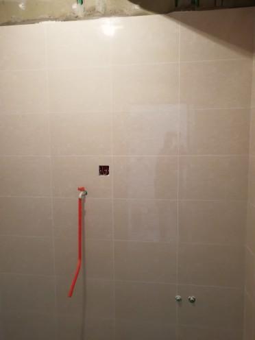 爱空间厨卫墙砖完工_1589274