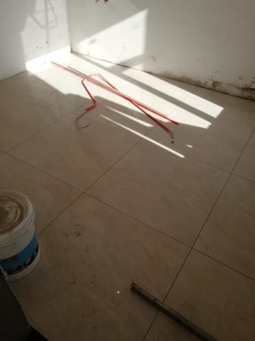 爱空间厨卫墙砖完工_1589278