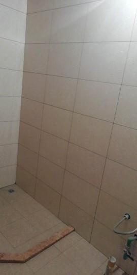 爱空间厨卫墙砖完工_1825129