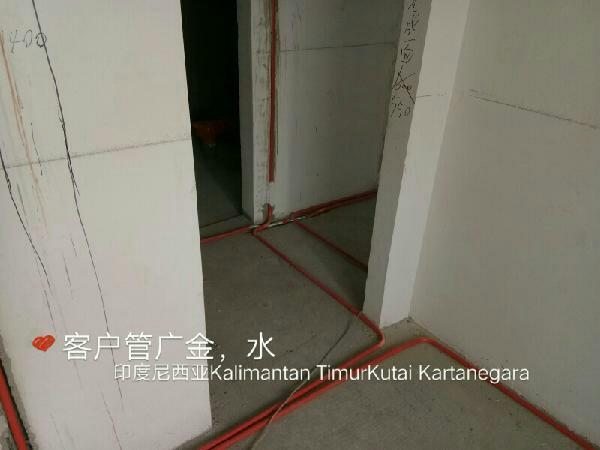 爱空间厨卫墙砖完工_2239389