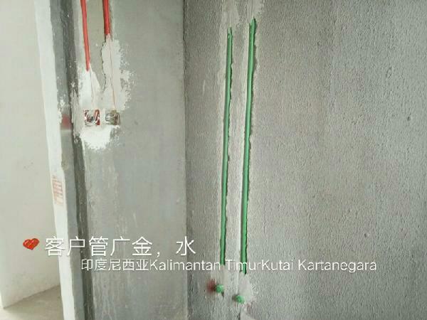 爱空间厨卫墙砖完工_2239392