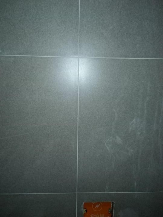 爱空间厨卫墙砖完工_2675411