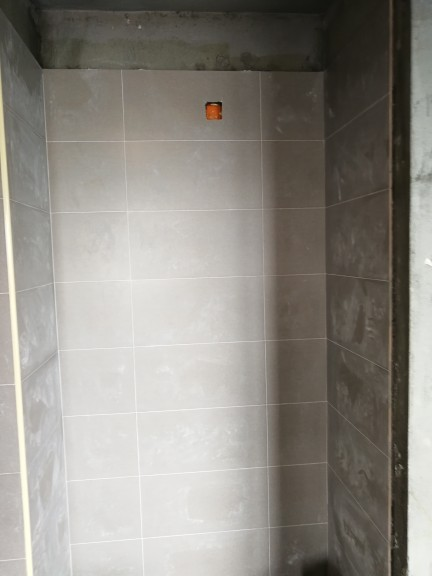 爱空间厨卫墙砖完工_2680924