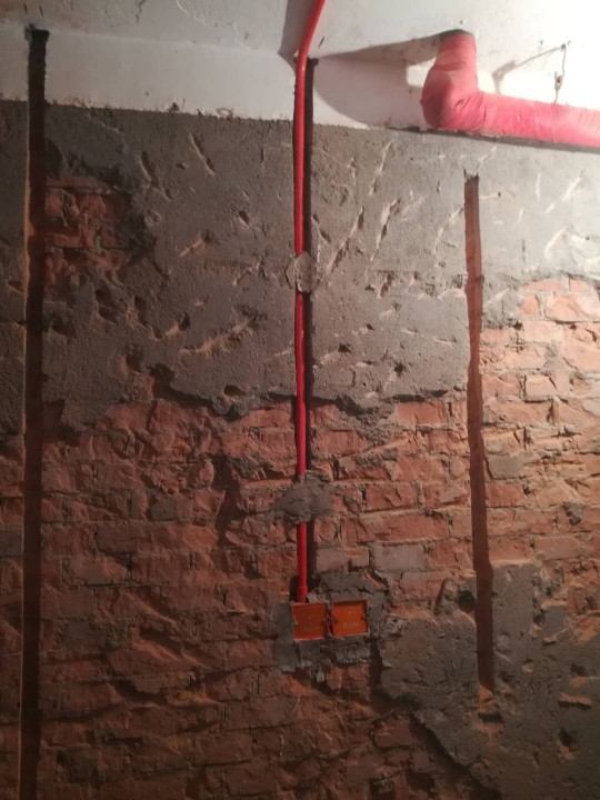爱空间厨卫墙砖完工_2689943