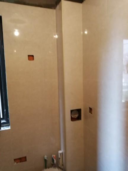 爱空间厨卫墙砖完工_2687375