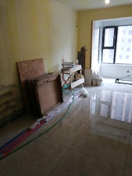 爱空间厨卫墙砖完工_2702708