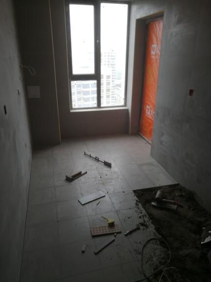 爱空间厨卫墙砖完工_2708449