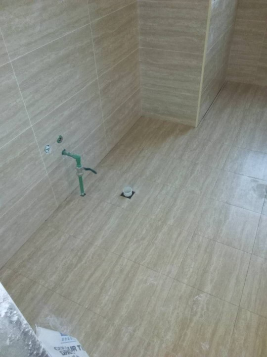 爱空间厨卫墙砖完工_2713483