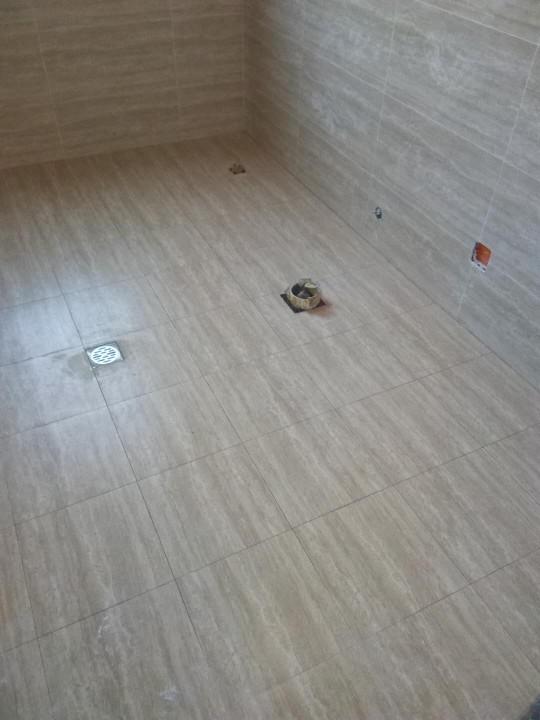 爱空间厨卫墙砖完工_2713484