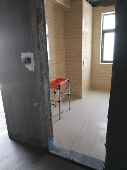 爱空间厨卫墙砖完工_2725824