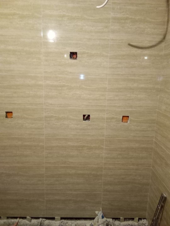爱空间厨卫墙砖完工_2752926