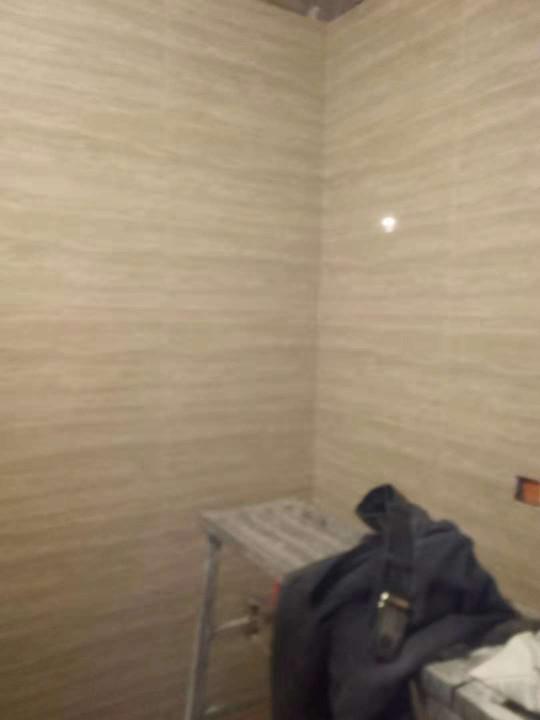 爱空间厨卫墙砖完工_2757959