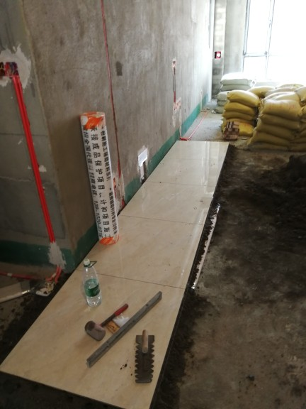 爱空间厨卫墙砖完工_2761836