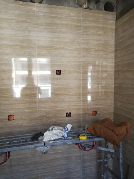 爱空间厨卫墙砖完工_2761829