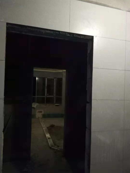 爱空间厨卫墙砖完工_2763600