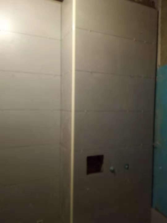 爱空间厨卫墙砖完工_2763601