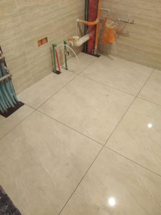 爱空间厨卫墙砖完工_2764949