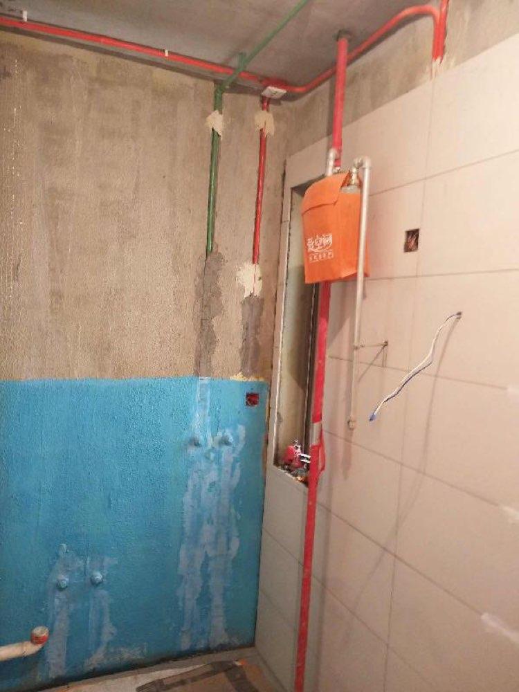 爱空间厨卫墙砖完工_2822336