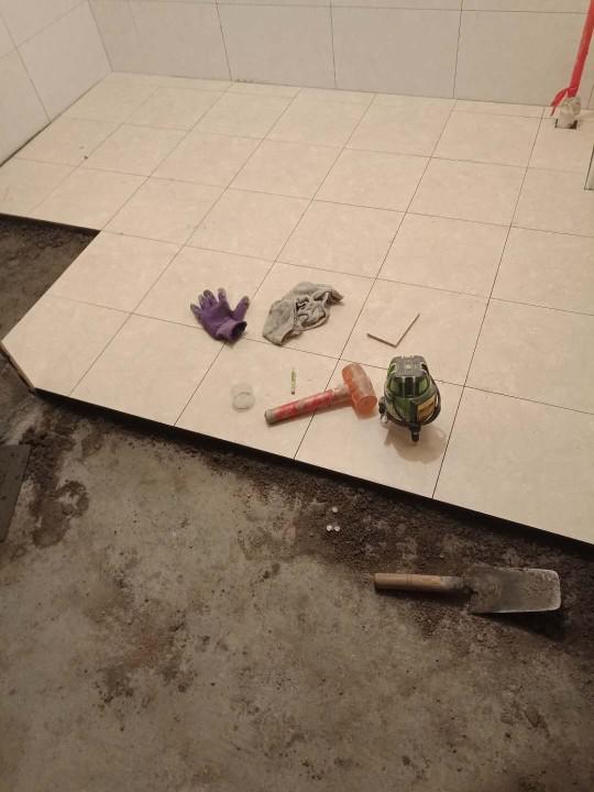 爱空间厨卫墙砖完工_2836640