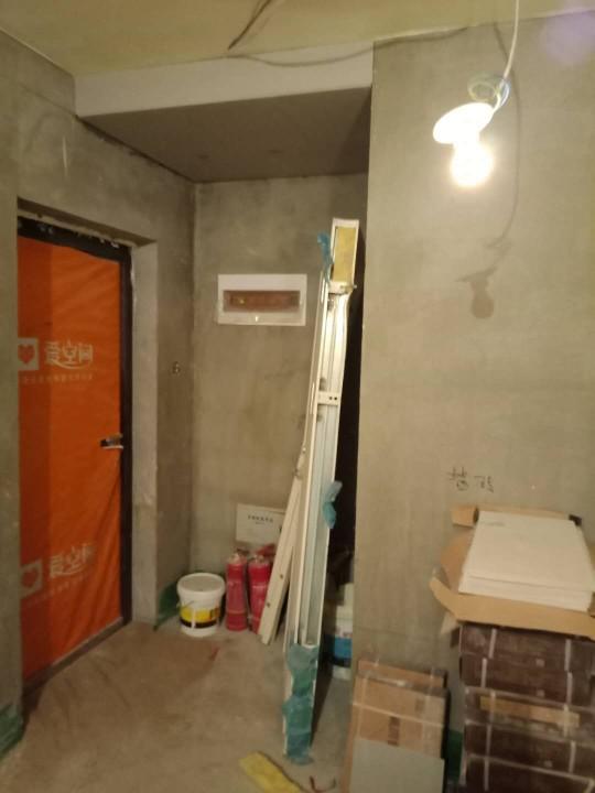 爱空间厨卫墙砖完工_2841374