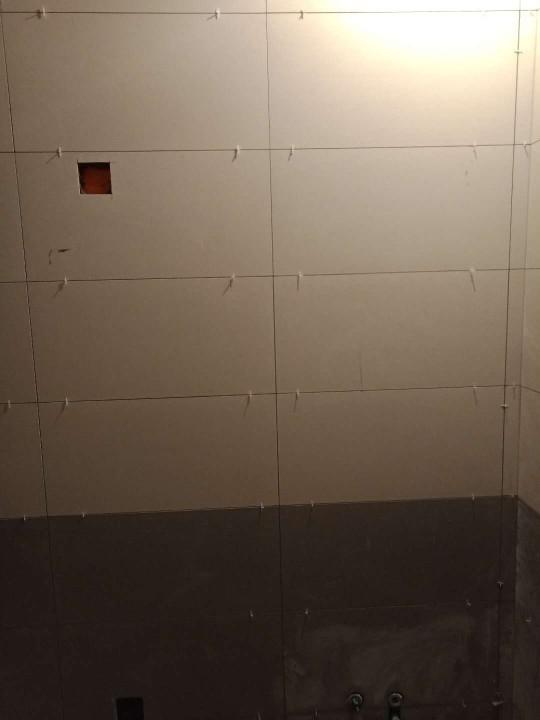 爱空间厨卫墙砖完工_2855544