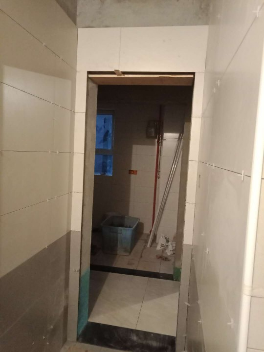 爱空间厨卫墙砖完工_2863340