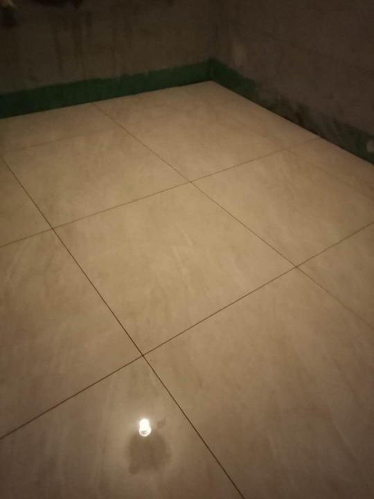 爱空间厨卫墙砖完工_2868390