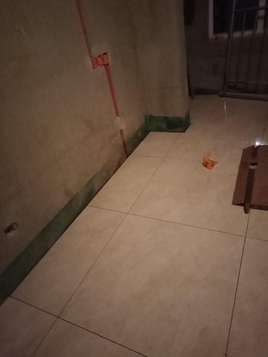 爱空间厨卫墙砖完工_2868391