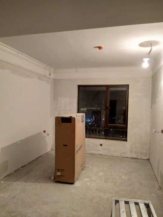 爱空间中期施工完工_2920359