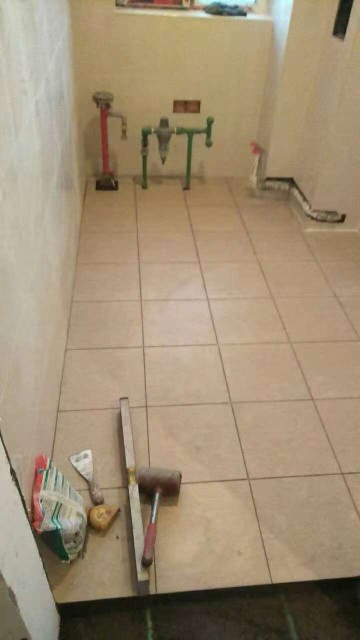 爱空间厨卫墙砖完工_3097340