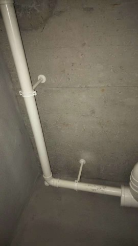 爱空间厨卫墙砖完工_3097348