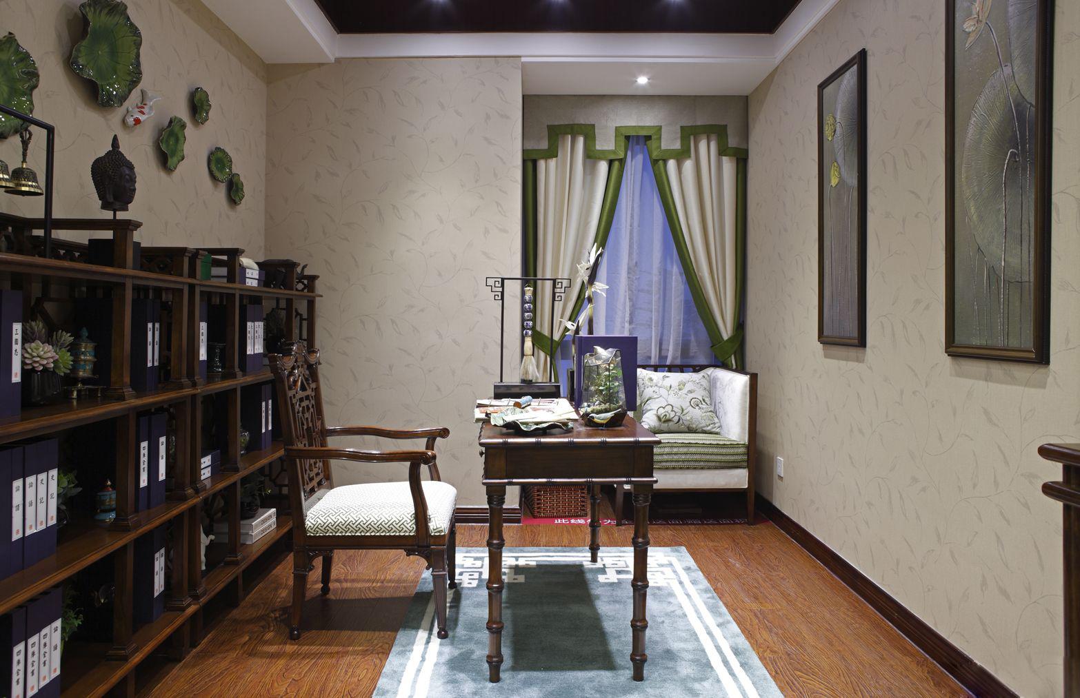 书房很好的区分了两个空间区域,同时又很好的使两个空间区域交流