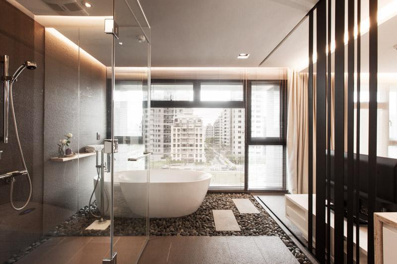 浴缸区域再次低调的向人们宣告房主精致的生活。