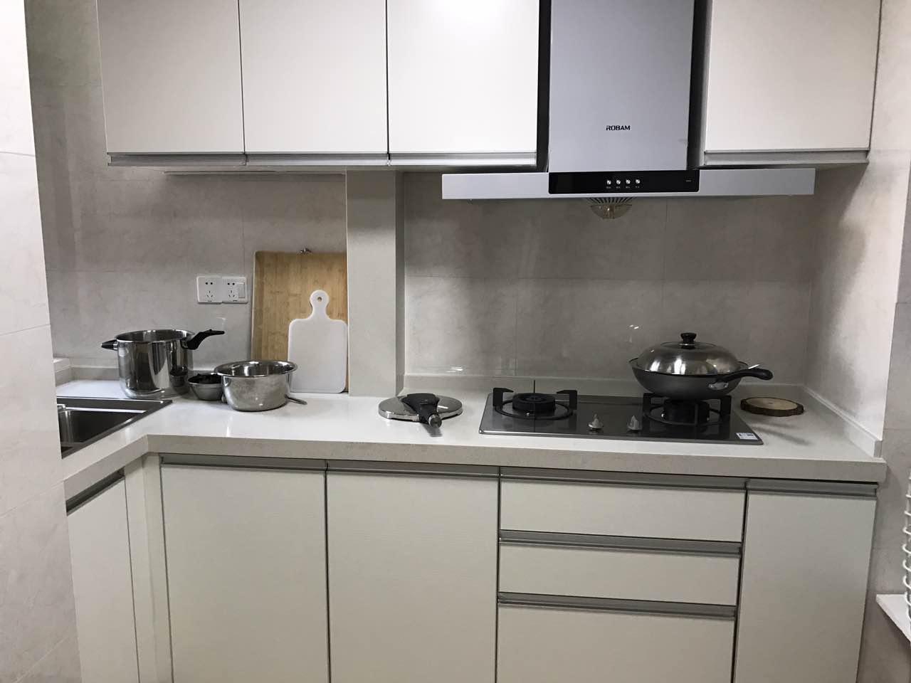 爱空间标配的厨房,实用大方。