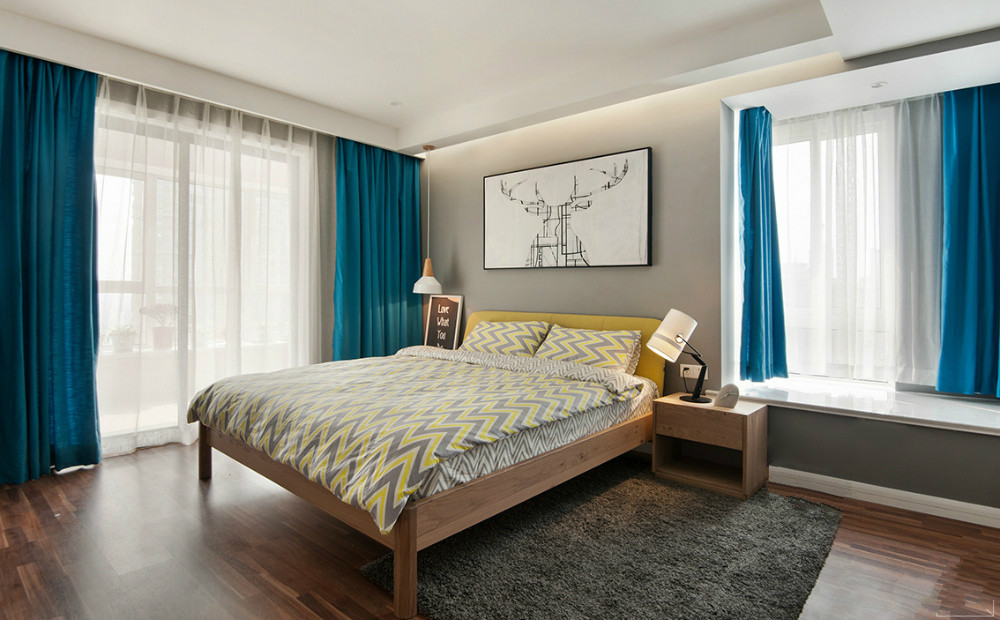 主卧室以冰蓝与云白为主色调,纯净而清新。