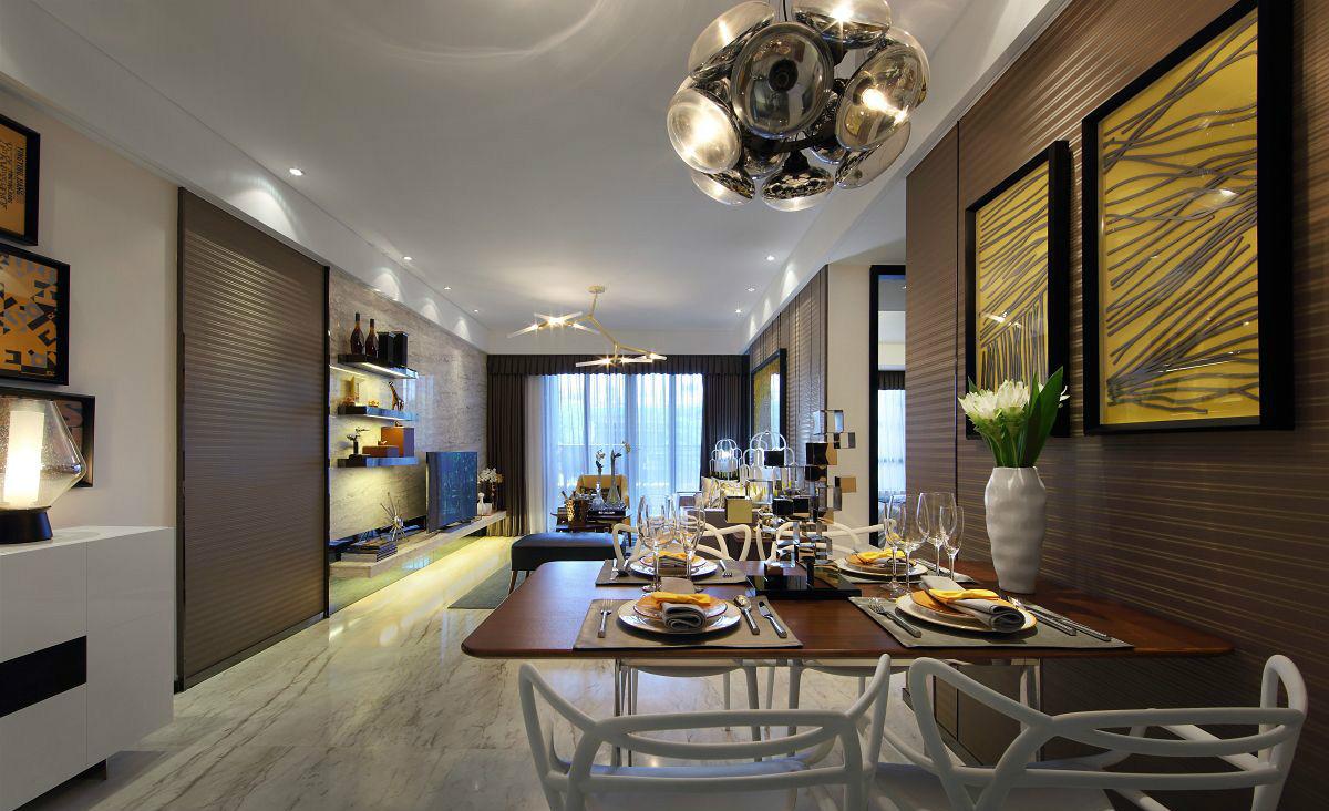餐厅的一面墙以原木精致设计,一种自然舒适之感。