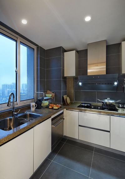 简约风格的装修更容易打造出干净简洁的厨房。