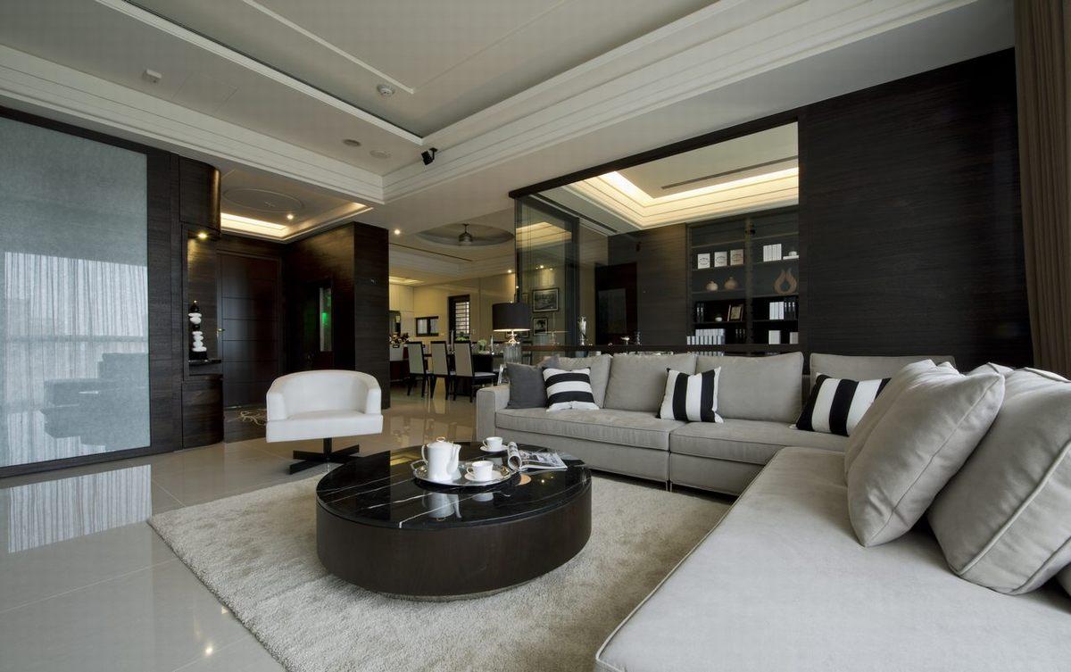 圆形的茶几,搭配浅灰色的沙发,整体精致又个性。