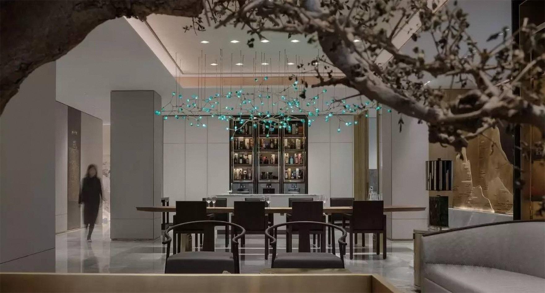 室内面积宽敞,利用敞开式的手法让客厅与餐厅产生和谐的互动,动线设计更加完整。