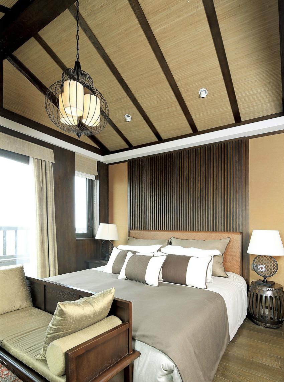 精致的家具、茅草屋顶、天然的材质和色彩,让心沉静下来,感受时间的悠远绵长。