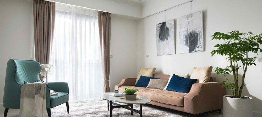 明亮简约的空间基底,以家具软装的色系,点缀出舒适柔和的空间风格。