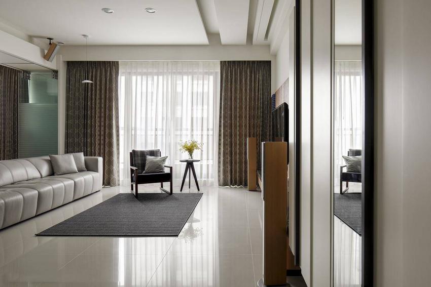 采取绝佳尺度的落地开窗,贪恋纯净清澈的温萃暖度。