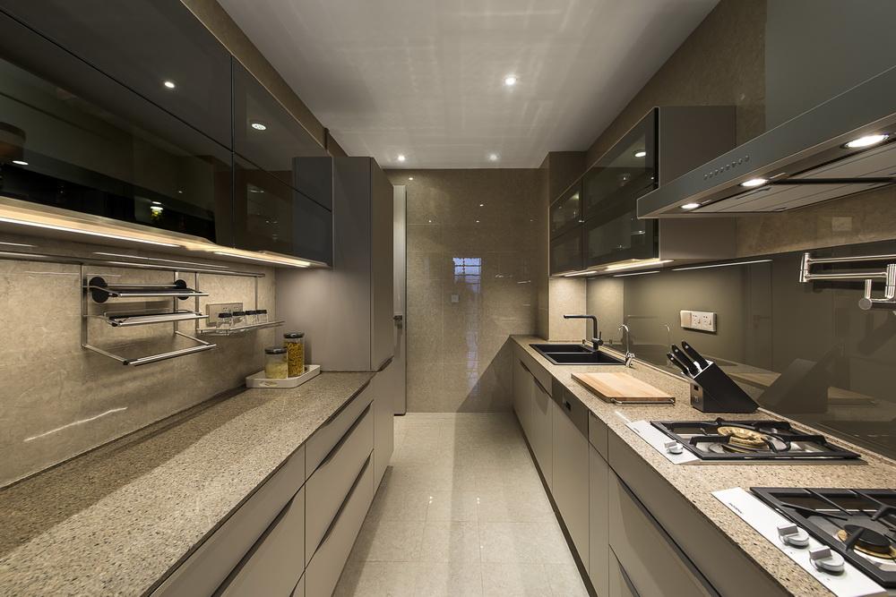 厨房收纳式的台柜为家居开辟了更多的收纳空间,时尚又显情调。